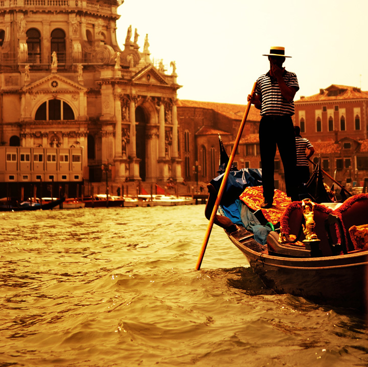 Romantic Gondola Ride on Grand Canal